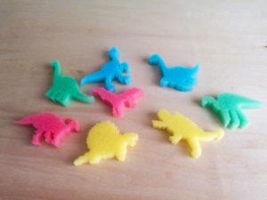 カプセルスポンジ恐竜